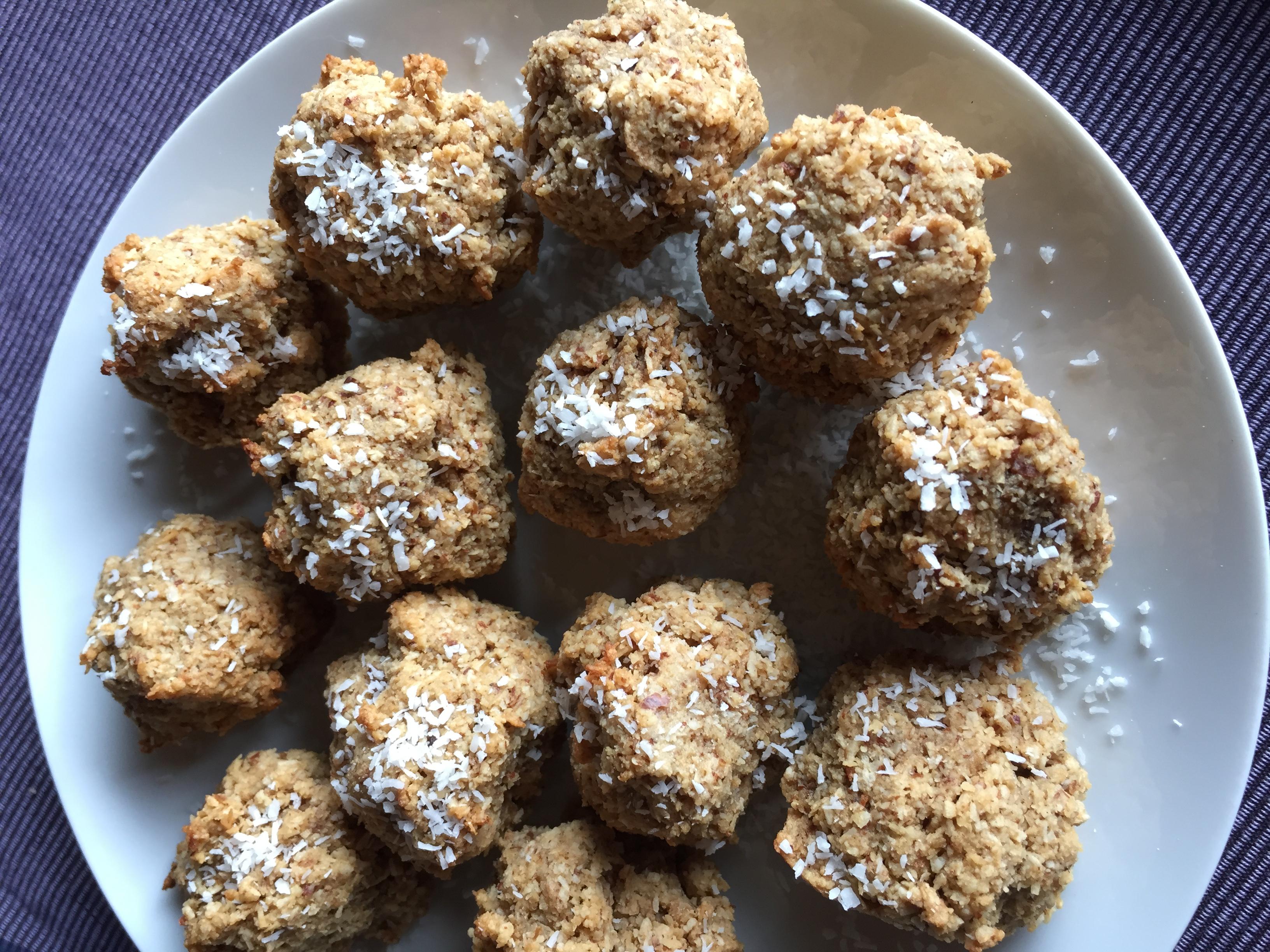 Schale mit Kokosnuss Cookies